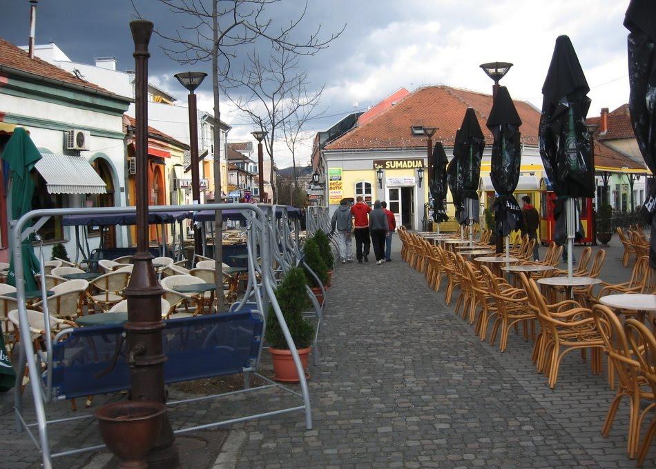 Ugostitelji organizovali protest isped zgrade opštine u Kragujevcu