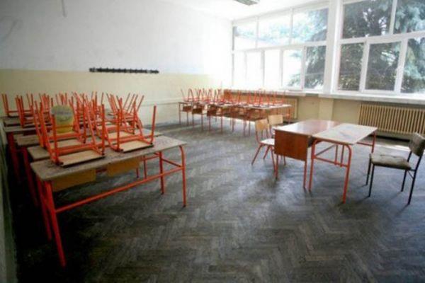 Unija sindikata prosvetnih radnika traži odlaganje početka školske godine, sutra sastanak sa ministrom