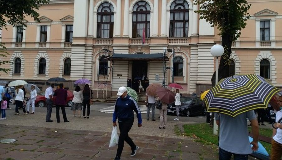 Zgrada suda u Kragujevcu evakuisana, zbog dojave o bombi