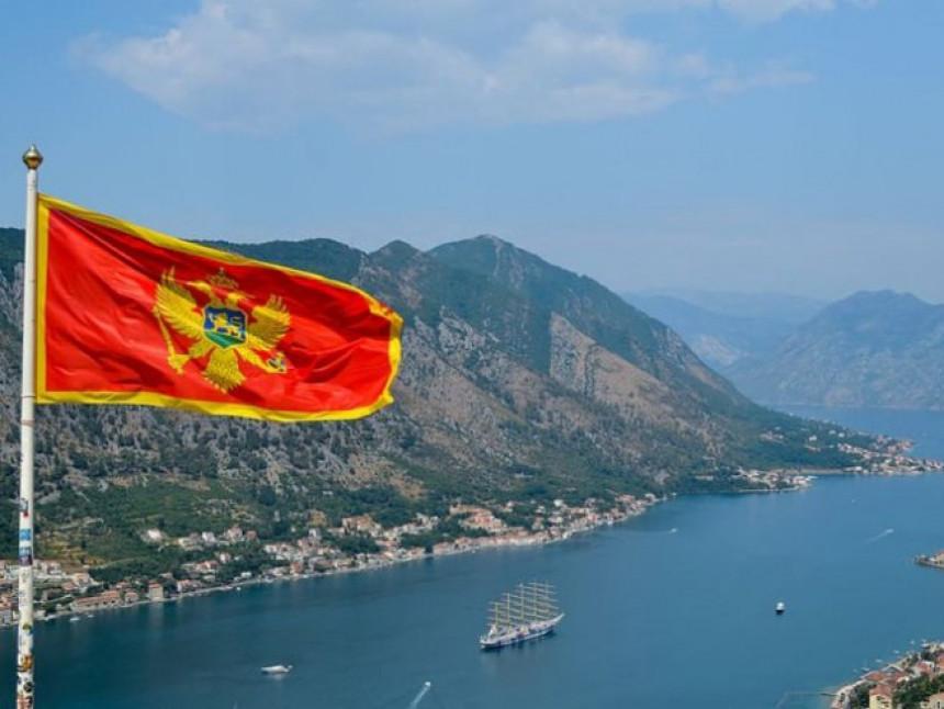 U Crnoj Gori letuje oko 75 hiljada Srba, Krizni štab razmatra mogućnost uvođenja karantina