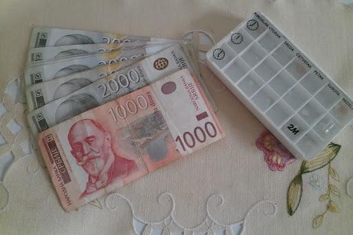 Vučić najavio povećanje penzija