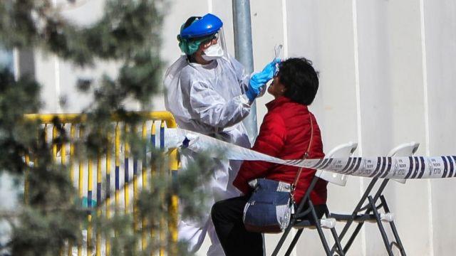 U Srbiji još 77 osoba zaraženo, dve preminule