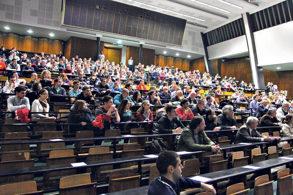 Nastava na beogradskom Univerzitetu kombinovana, predavanja onlajn, vežbe na fakultetu