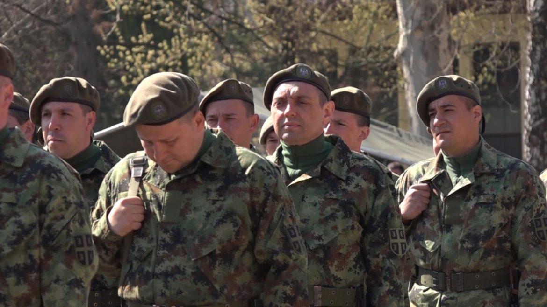 Vulin: Vojska stalno vežba