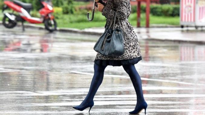 Danas osetno hladnije, mestimično sa kišom i pljuskovima