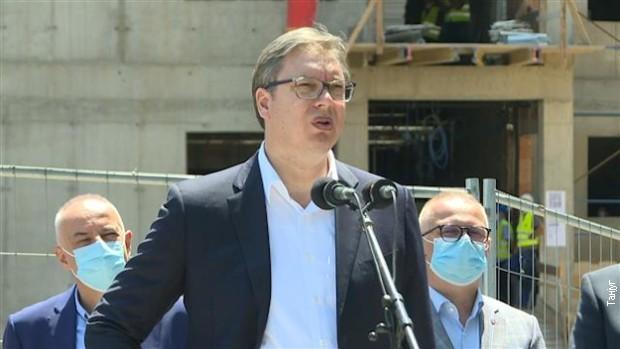 Vučić: Pogibija pilota nacionalna tragedija