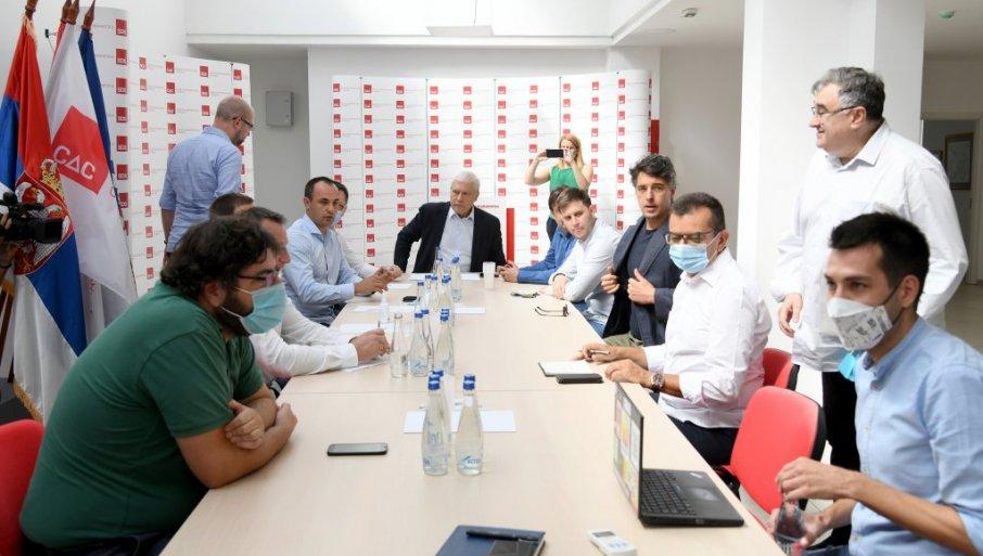 Tajanstveni sastanak opozicije