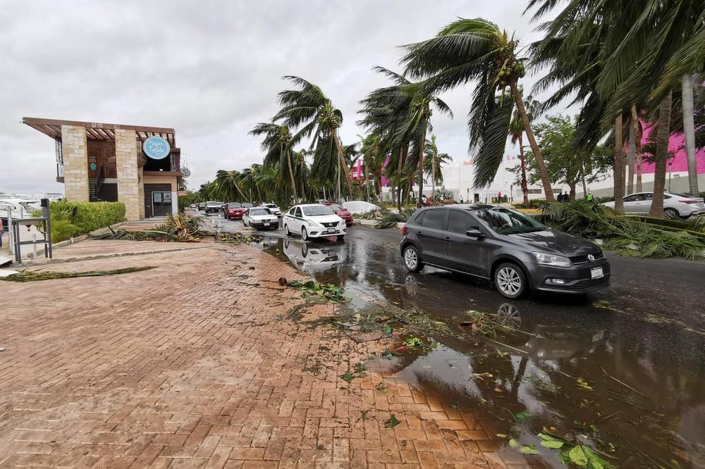 Uragan Delta udario o američko tlo, ima poginulih