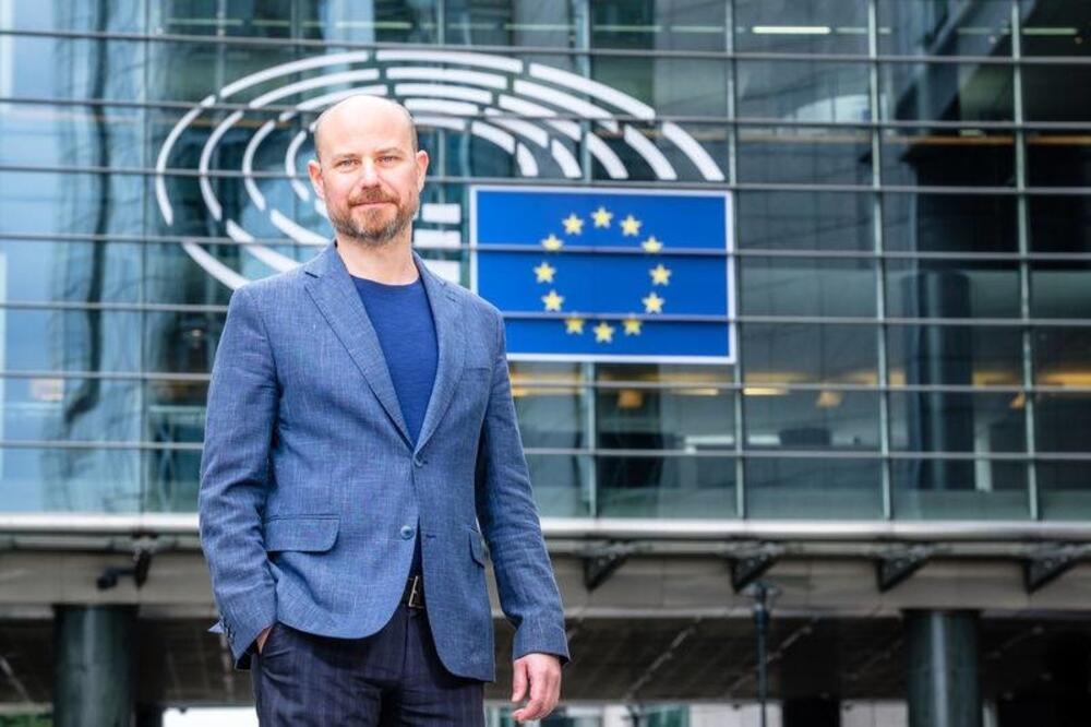 Bilčik: Skupština Srbije  primarni partner za međustranački dijalog