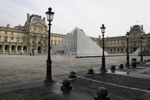 U Francuskoj od petka u ponoć vanredno sanitarno stanje
