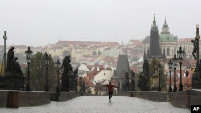 U Češkoj dnevno skoro 10.000 zaraženih virusom korona