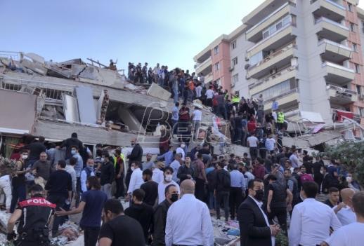 U zemljotresu u Turskoj najmanje 14 poginulih, više od 400 povredjenih