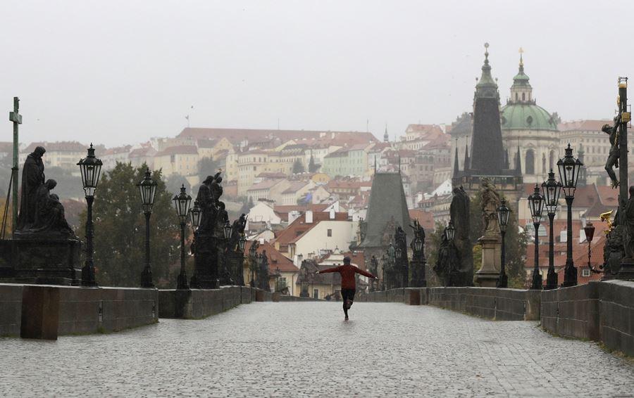 U Češkoj preko 11.000 novozaraženih korona virusom
