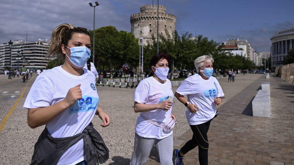 Grčki doktori trčali sa maskama da bi dokazali da nisu štetne