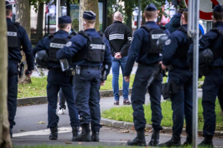 U Francuskoj istraga i strah posle ubistva prosvetnog radnika