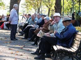 Savić: Nepovoljan položaj penzionera u Srbiji, milion njih prima manje od 25.000 dinara