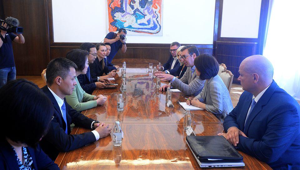 Vučić na sastanku sa predstavnicima kineske  kompanije CRBC