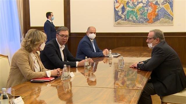 Vučić: Prevazići prepreke između Srbije i Hrvatske