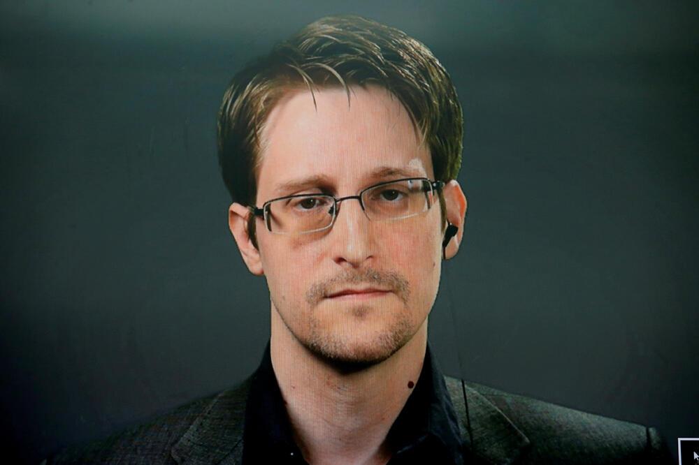 Snouden tražio ruski pasoš