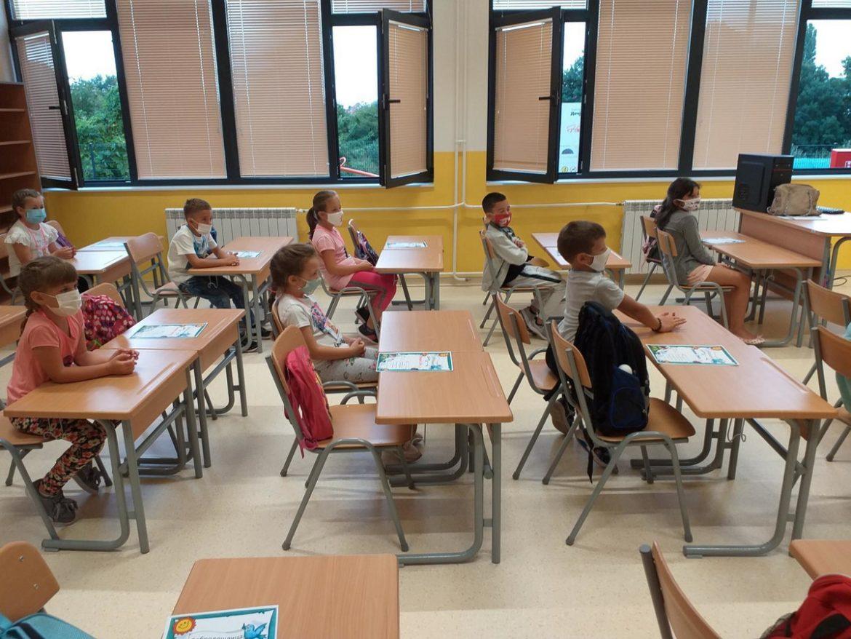 Blic: Nema zatvaranja škola
