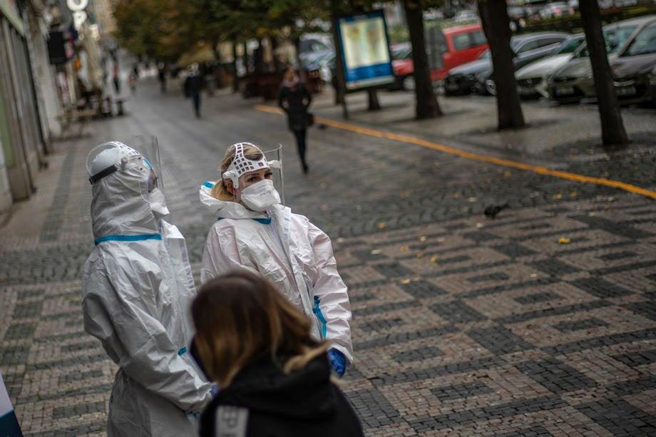 U Srbiji još 1.318 pozitivnih osoba, 11 preminulo