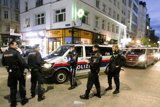 U napadu u Beču petoro mrtvih, uključujući napada