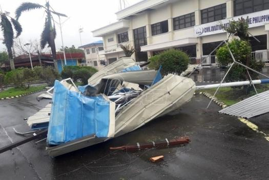 Tajfun Goni pogodio filipinsku obalu