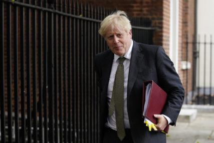 Džonson: Karantin stanovništva u Engleskoj trajaće do 2. decembra