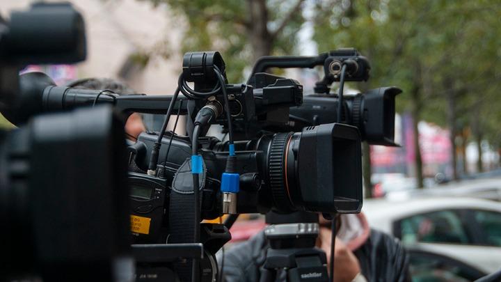 UNS: Drastičan porast nasilja nad novinarima i medijskim radnicima