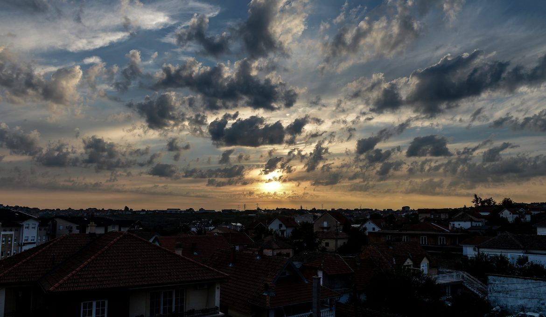 Vreme sutra: Promenjivo oblačno