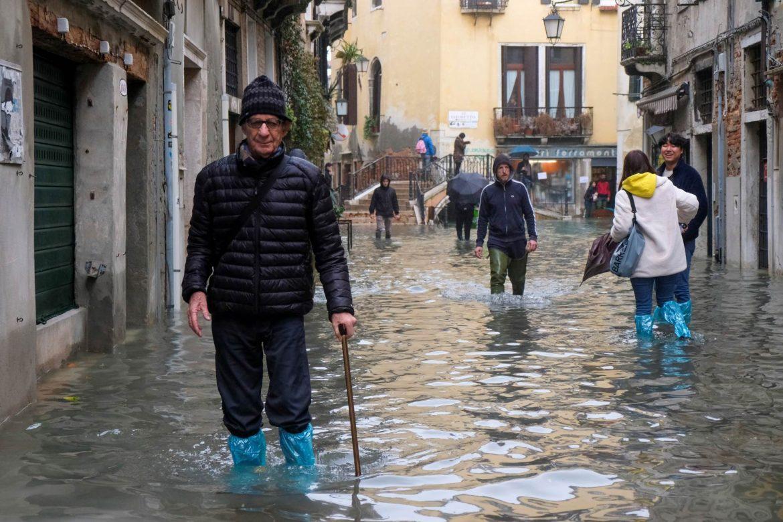 Venecija opet pod vodom