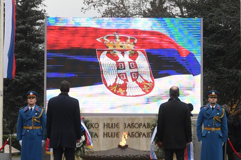 Lavrov: Prenošenje Večnog plamena simbol jedinstva Rusa i Srba