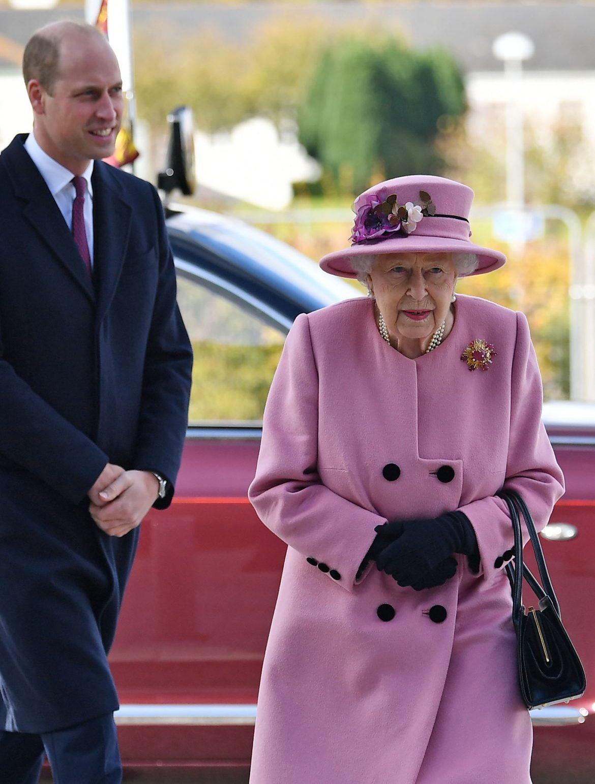 Britanska kraljica primiće vakcinu, ali ne pred kamerama