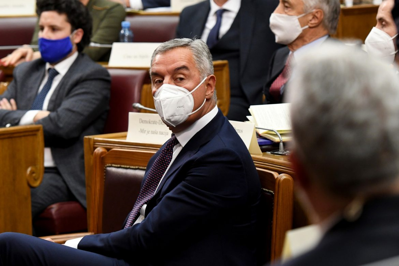 Milo Đukanović ima upalu pluća
