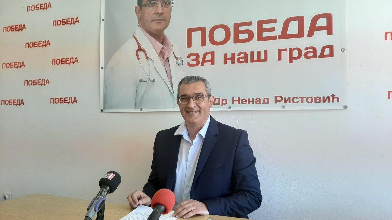 Lekar iz Zaječara vratio medalju Vučiću