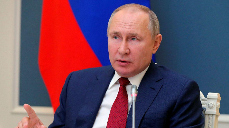 """Putin: Tehnološke kompanije se """" takmiče"""" sa državama"""
