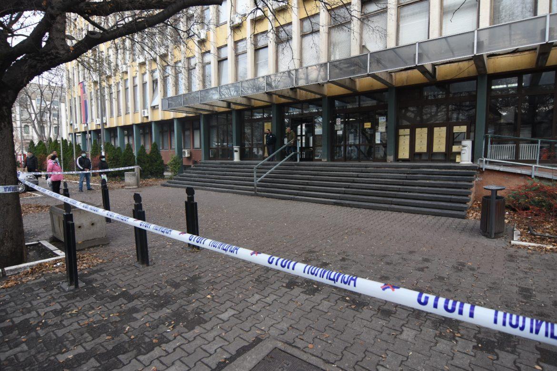 Sud u Novom Sadu evakuisan zbog dojave o bombi