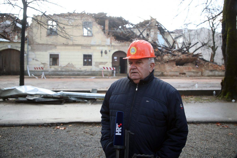 Gradonačelnik Petrinje: Vraćam državi pomoć