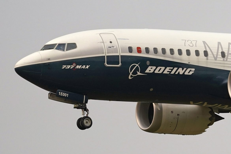 Izgubljen kontakt sa putničkim avionom Boing 737 u Indoneziji