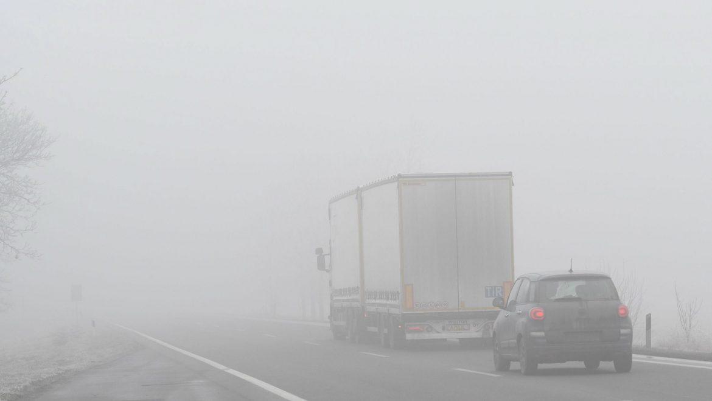 Magla na dve deonice auto-puteva