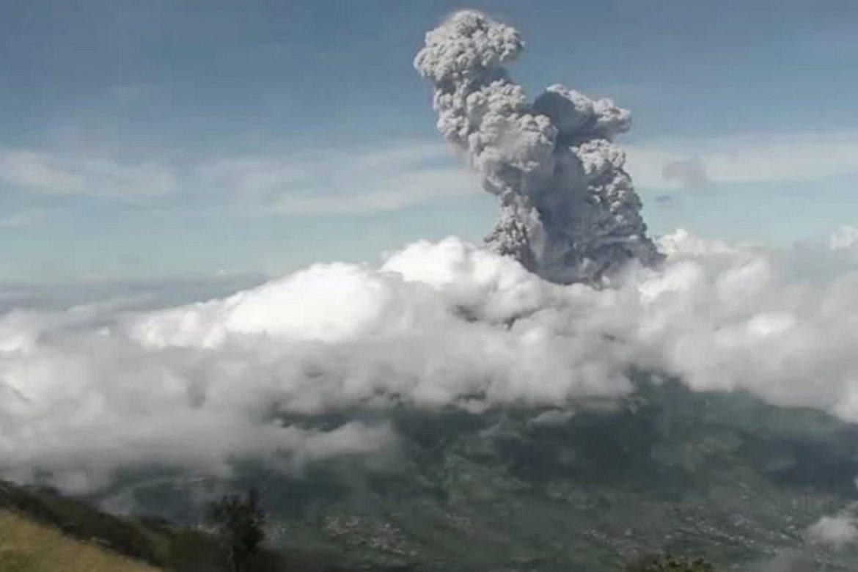 Stotine stanovnika evakuisano zbog erupcije vulkana Merapi u Indoneziji