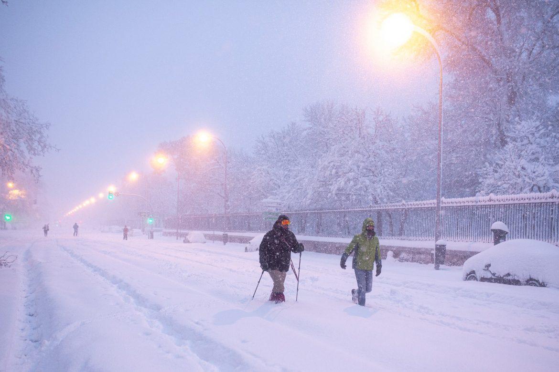 Madrid u stanju pripravnosti zbog snega, vojska čisti puteve