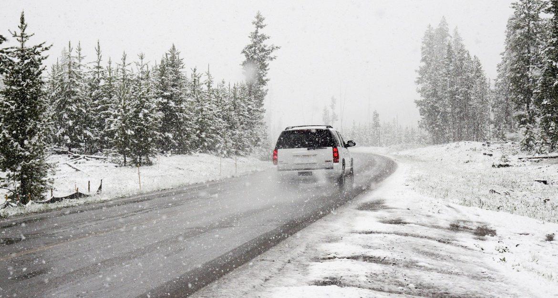 AMSS: Zimski uslovi vožnje zbog obilnih padavina