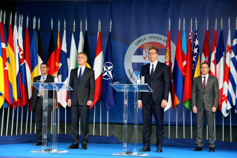 Vučić sutra s komandantom NATO-a
