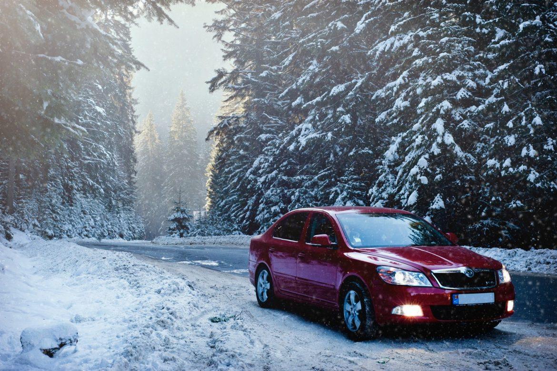 AMSS: Zimski uslovi vožnje, vlazni kolovozi, sneg i led