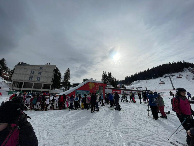 Kopaonik prepun skijaša uprkos merama Kriznog štaba