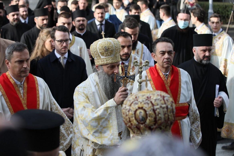 Počela liturgija na kojoj će biti ustoličen patrijarh SPC Porfirije