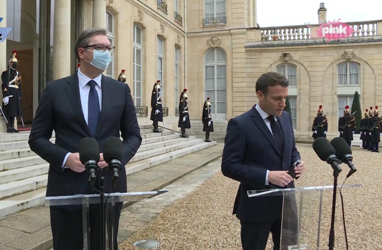 Vučić sa Makronom u Parizu