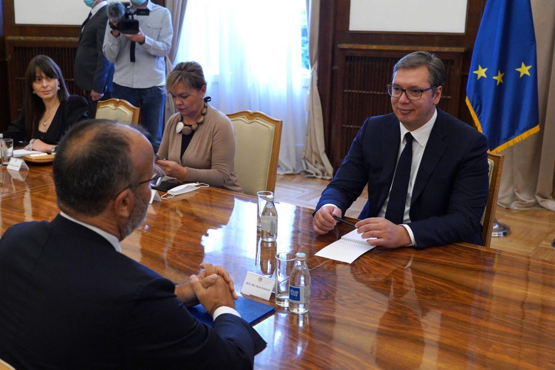 Vučić sa Fabricijem o dijalogu sa Prištinom
