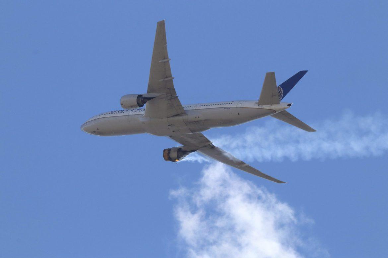 Boing 777 prinudno sleteo na moskovski aerodrom zbog problema sa motorom